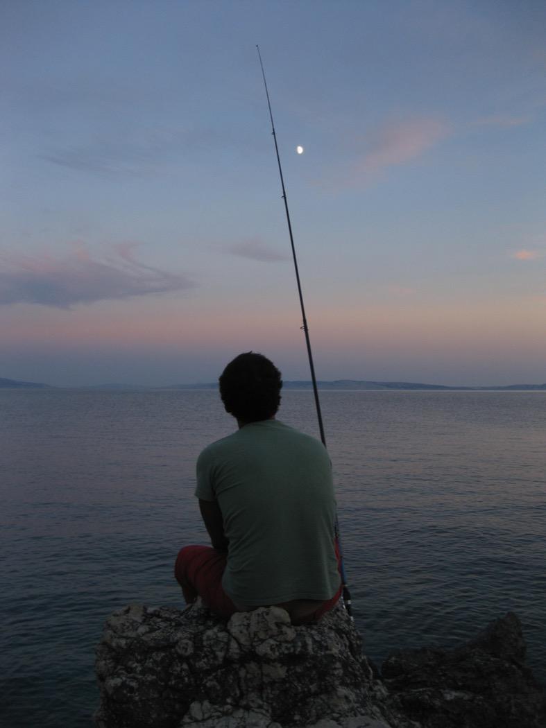 Momento di riflessione durante una battuta a spinning in Croazia