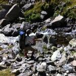 Pietro pesca lo scolo del lago