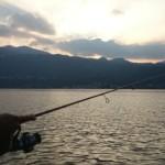 Spinning sul lago al tramonto