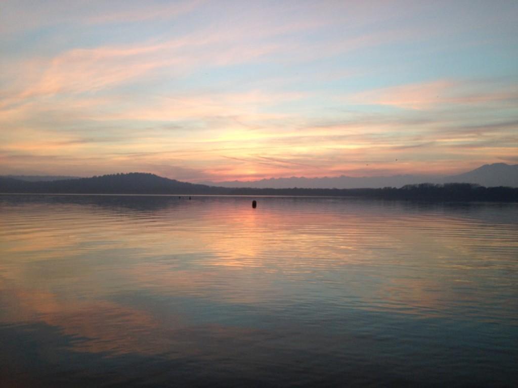 pesca viverone Tramonto sul lago