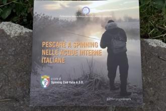 Copertina di Pescare a spinning nelle acque interne italiane