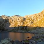 Mattino sul lago alpino