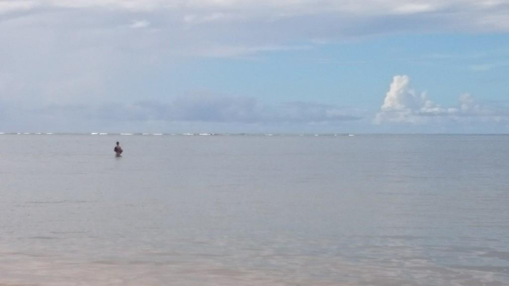 Pietro in pesca dalla spiaggia... flat
