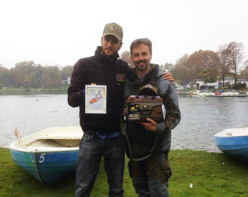 Pietro premia Savino per la miglior cattura!