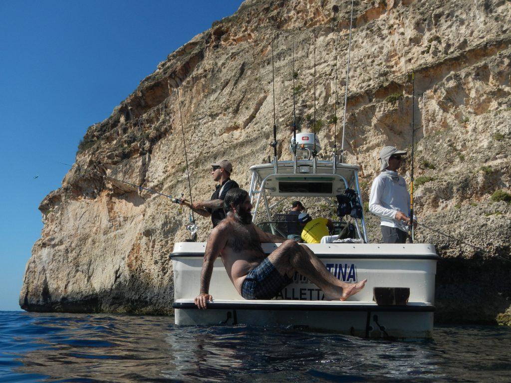Sirenetti in barca a pescare