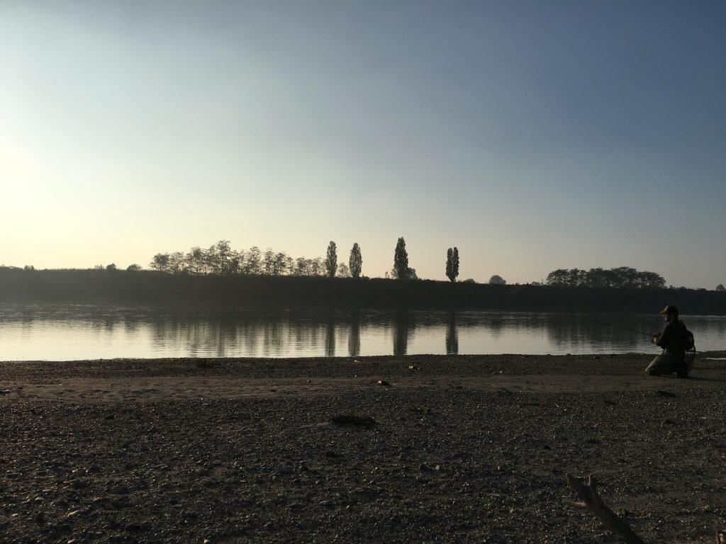 Pescare nella magica atmosfera del Po
