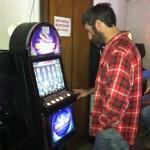 Francis impegnato ai video poker